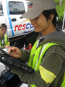 Calit2's Ricky Huang monitors the movements of first-responders.