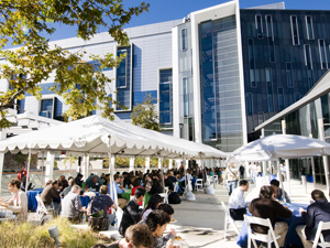The third annual Metagenomics Congress, hosted by Calit2 at UCSD, drew more than 250 participants from around the world to discuss the stunning potential of metagenomics, the study of microorganisms within their natural ecosystems.